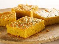 Рецепта Сладкиш с царевичен грис, яйца, кисело мляко и ванилия